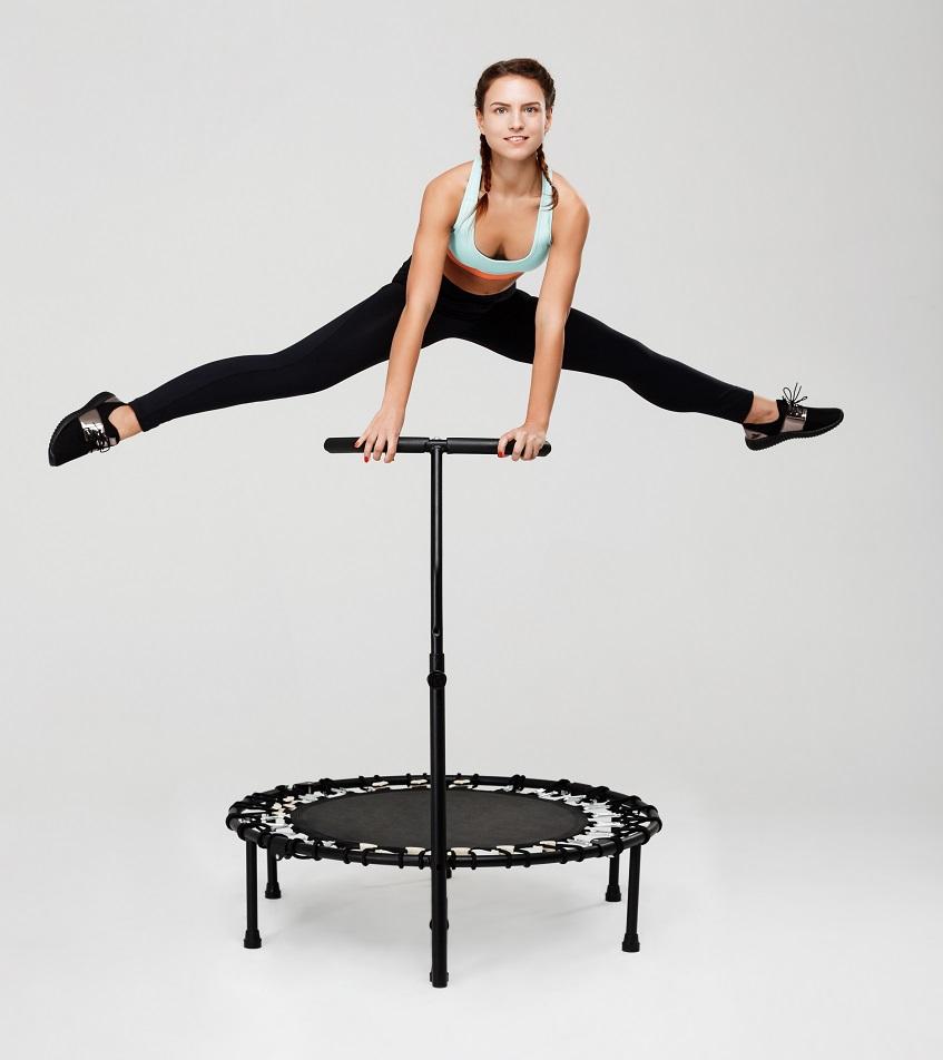 ćwiczenia na trampolinie w domu