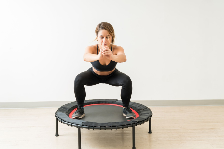 Prawidłowe ćwiczenia na trampolinie w domu
