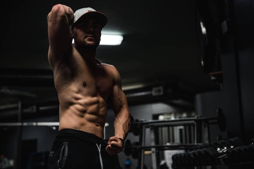 program ćwiczeń na mięśnie brzucha - 300 brzuszków a trening Weidera